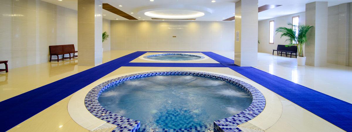 Swimming Pool Jacuzzi Steam Luxury Hotel In Phnom